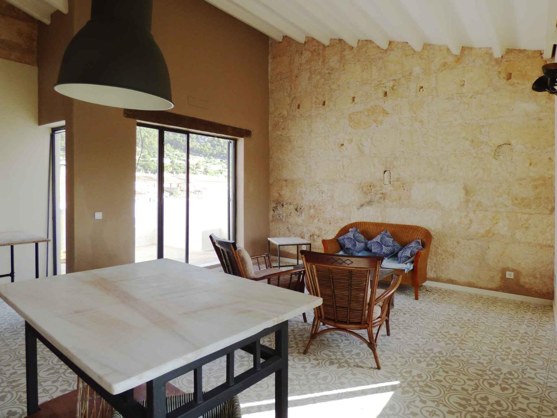 Pis  Carrer alejandro rosselló. Aticos soul housing: precioso piso con terraza, en Alaró.