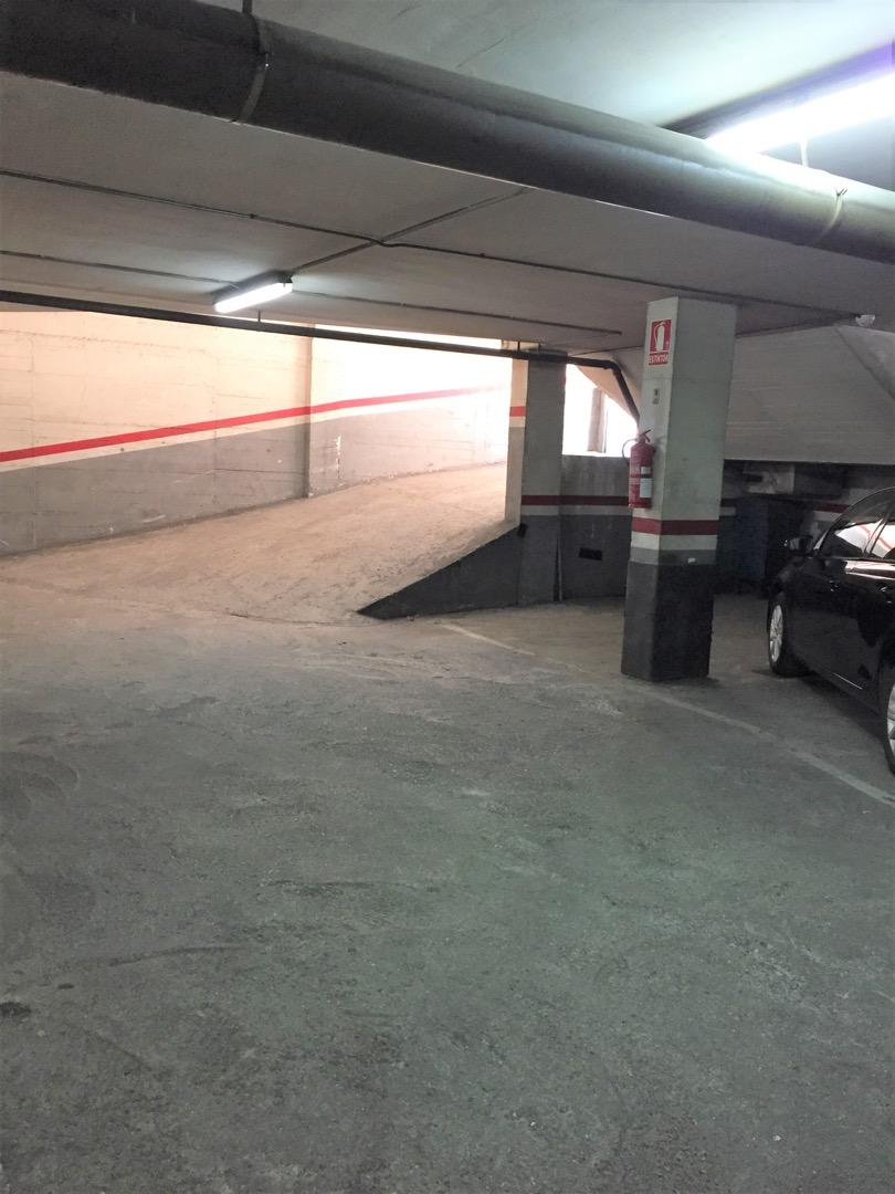 Parking coche  Carrer de josep prats, 54
