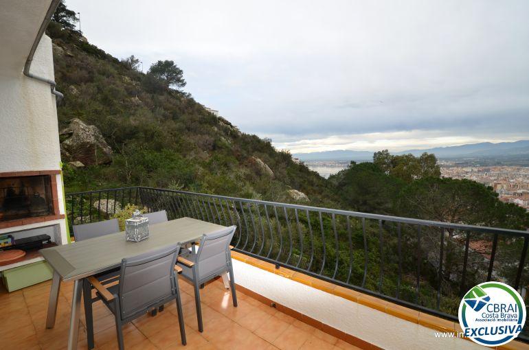 Piso  Puig rom. Apartamento de un dormitorio con vistas al mar y estacionamiento