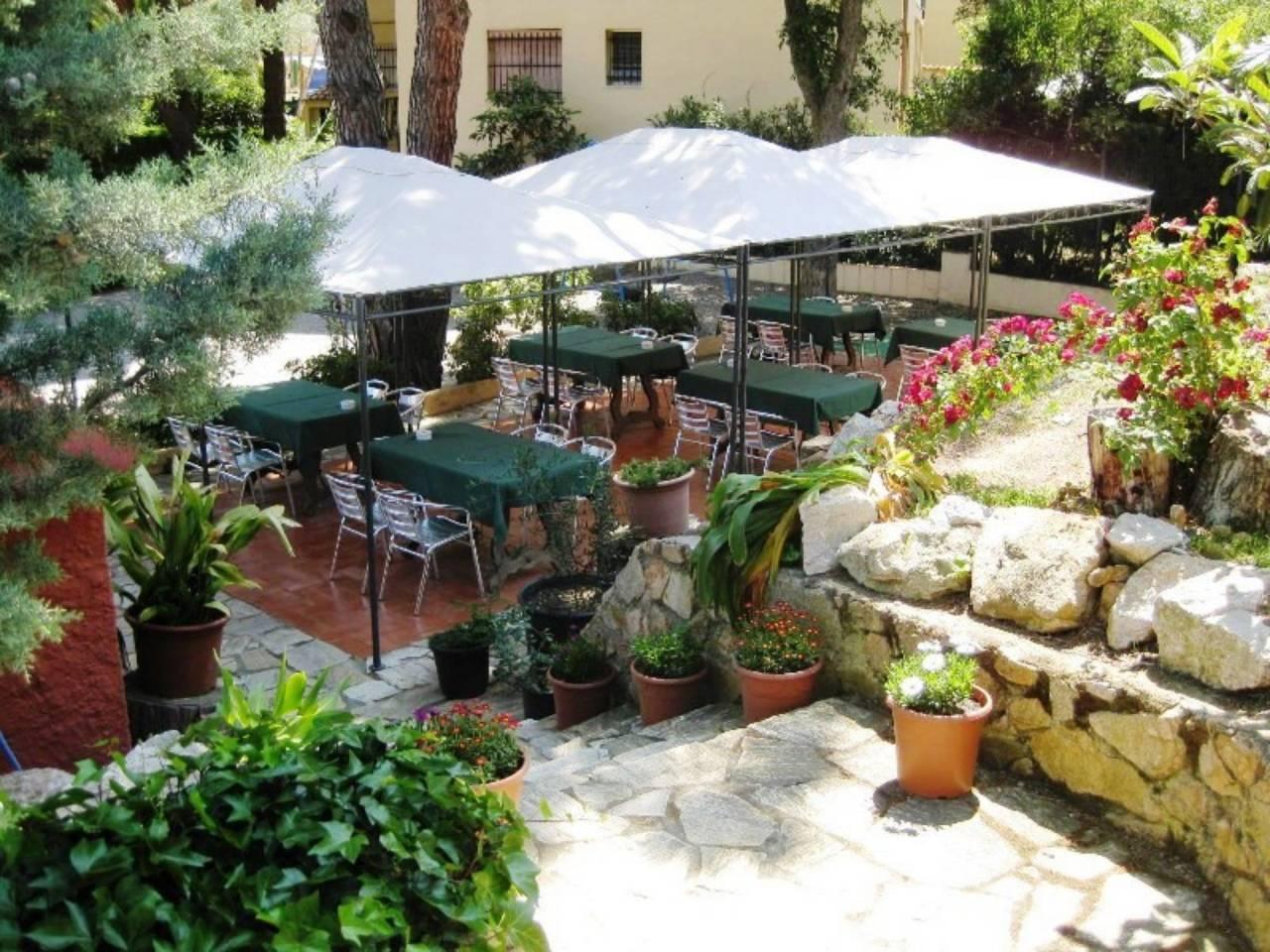 Local Comercial  Calle carretera s´agaró - castell d´aro. Restaurante en venta estilo rústico en s'agaró para reformar, an