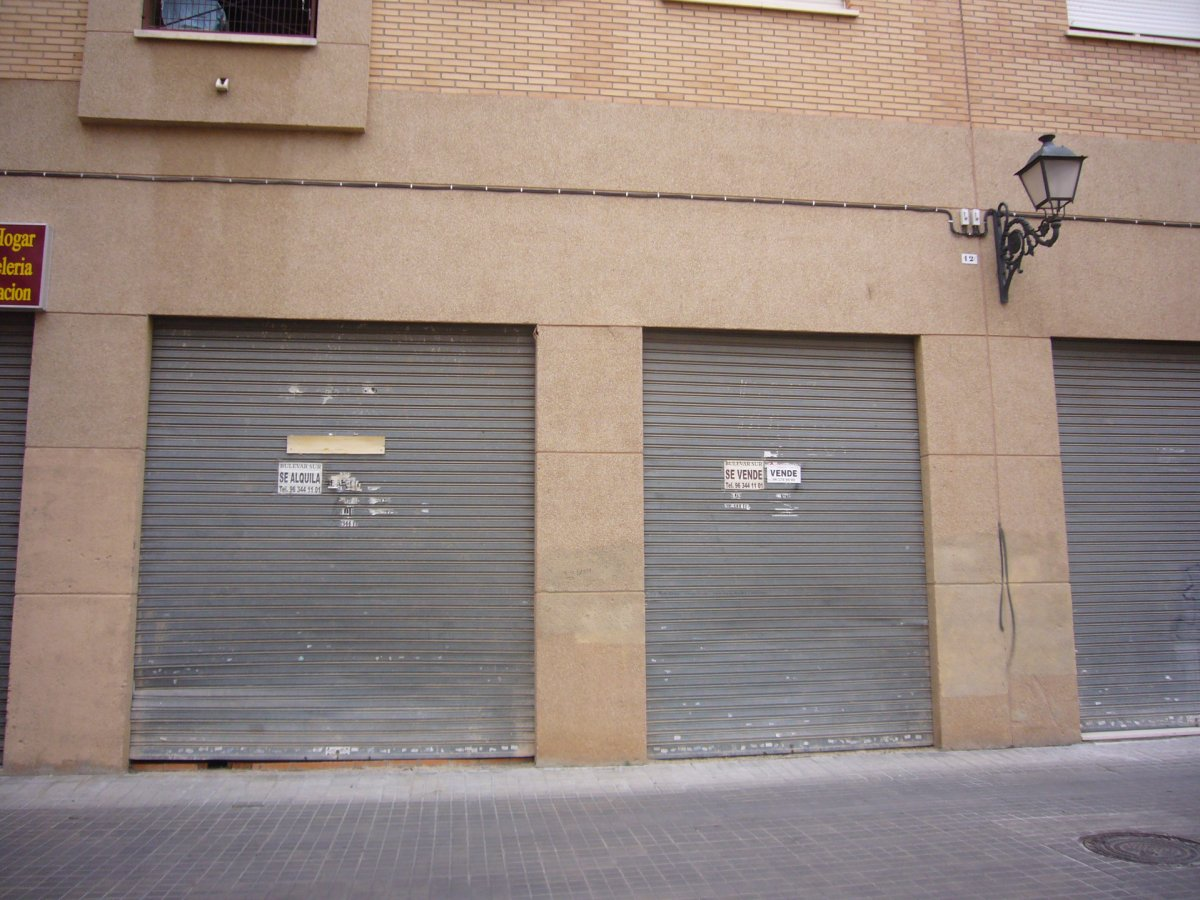 Local Comercial  Calle san pio x. Local comercial diafano de obra nueva