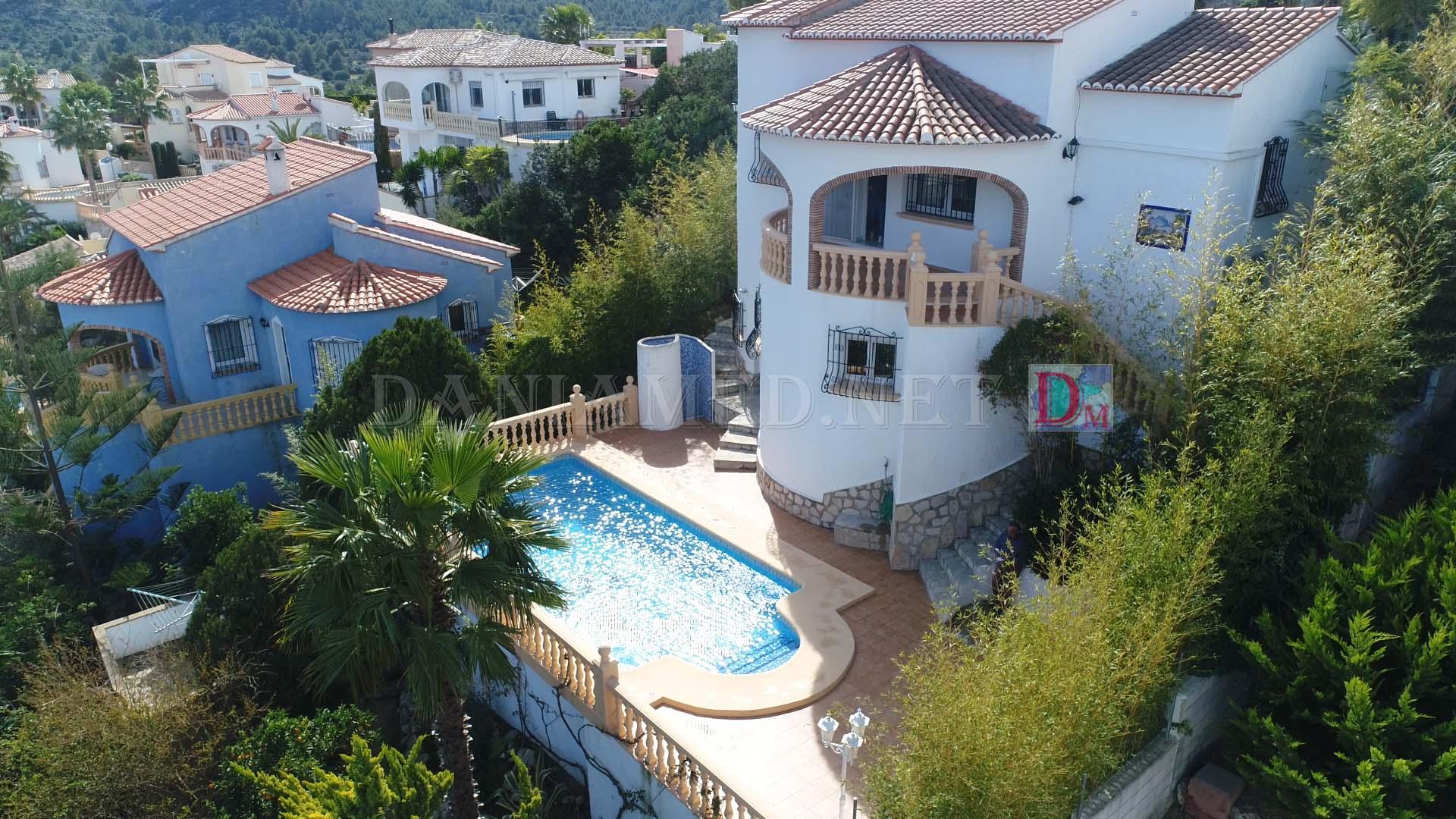 Casa  Pedreguer. Precioso chalet de 2 plantas con vistas panorámicas al mar y a l