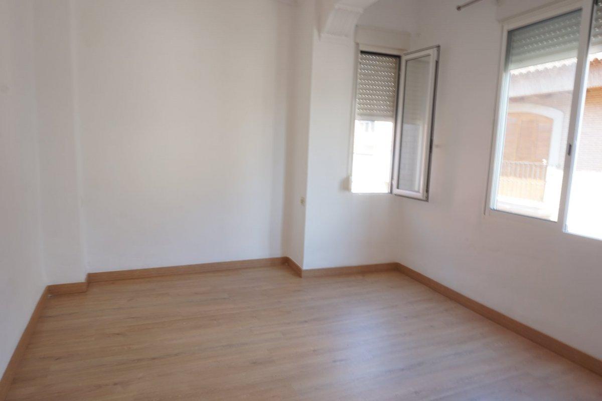 Location Appartement  Alaquas ,centro. Vivienda de 3 habitaciones con electrodomesticos ,  con parquet