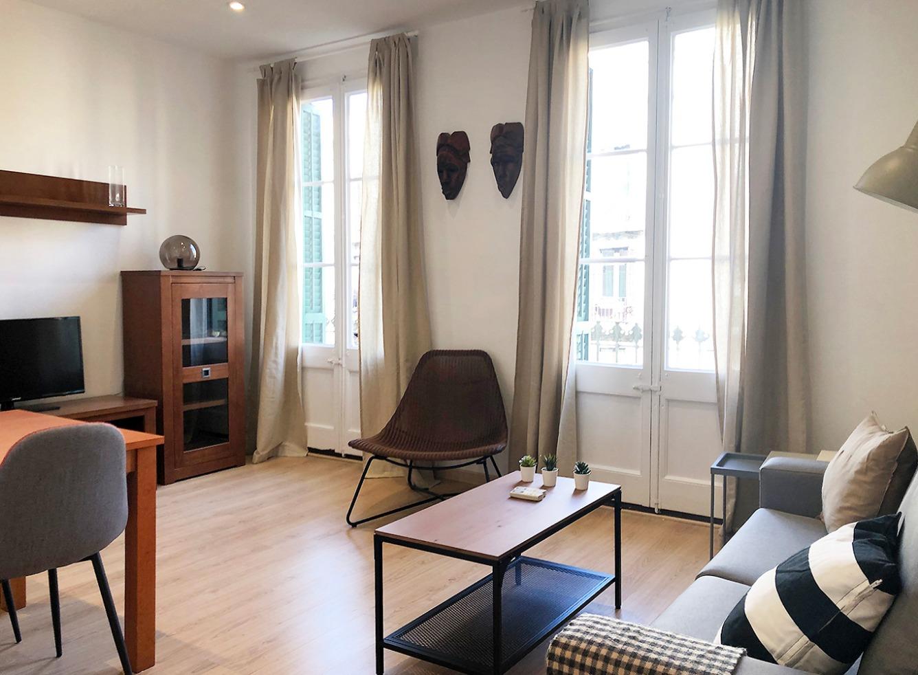 Lloguer Pis  Calle villarroel. 70 mts 1 habitación doble con 1 baño en suite 1 habitación ind
