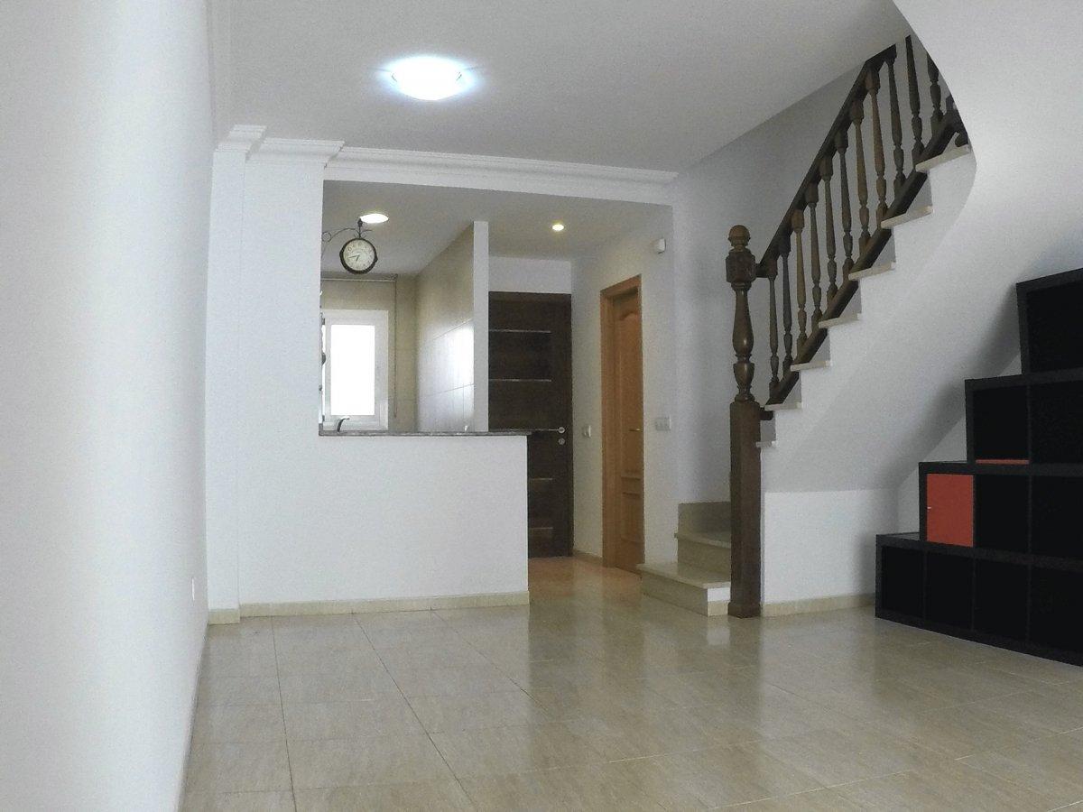 Alquiler Casa  Calle esperanto. Adosado familiar