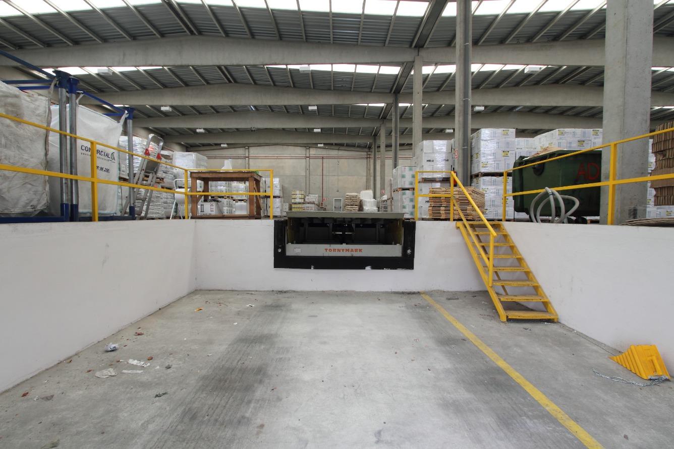 Bâtiment à usage industriel  Calle marjana, 22. Nave logística en venta.