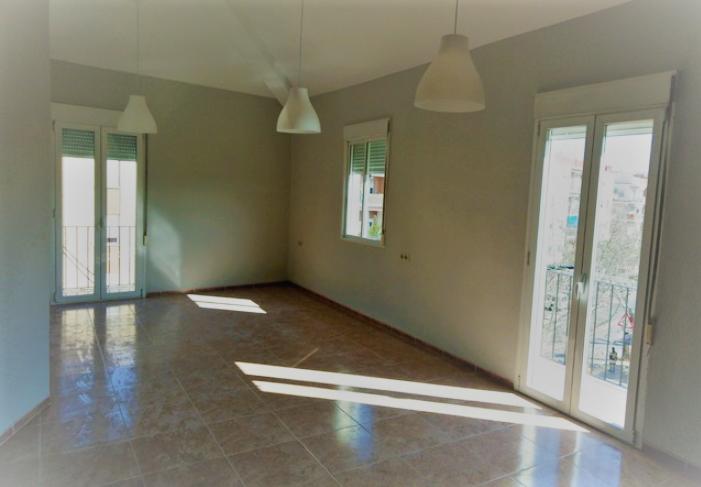 Lloguer Pis  Avenida vicente blasco ibáñez. Se  alquila precioso piso en pleno centro de Aldaia. vivienda mu