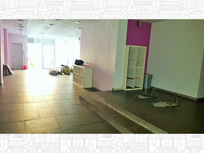 Foto 2 de Local comercial en Calle Poeta Maragall 50 / Centre - Eixample – Can Llobet – Can Serra, Barberà del Vallès