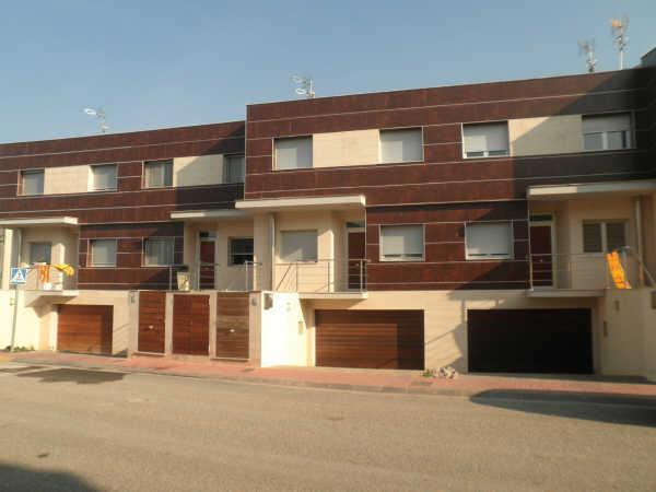 Casa  Calle  antoni gaudi, 5. Vila-sana/casa