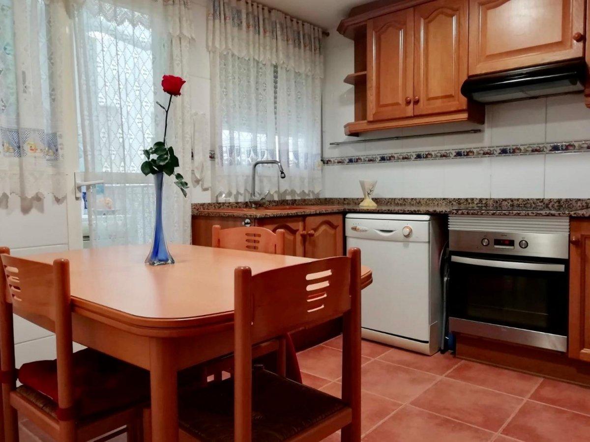 Appartement  Albalat dels sorells ,cerca de metro de albalat. Se vende amplio y luminoso dúplex en albalat dels sorells listo