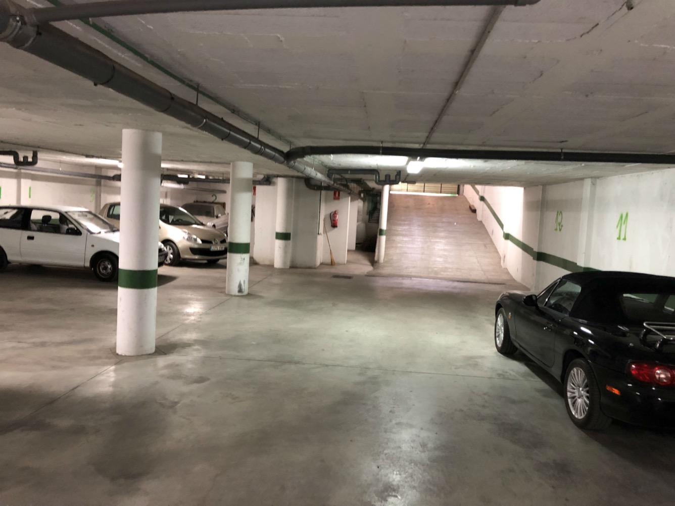 Posto auto  Migjorn - santanyí, zona de - Felanitx. Garage con 10 plazas de parking