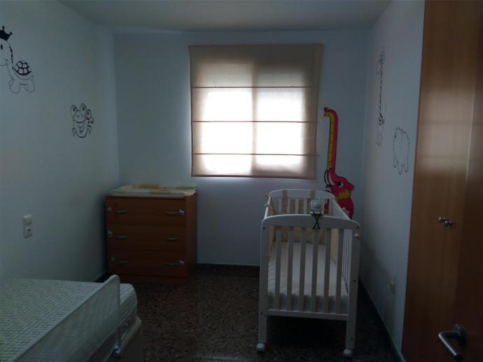 Miete Etagenwohnung  Pobla de vallbona. Se alquila bonito piso en zona muy tranquila con 100 m2 distribu