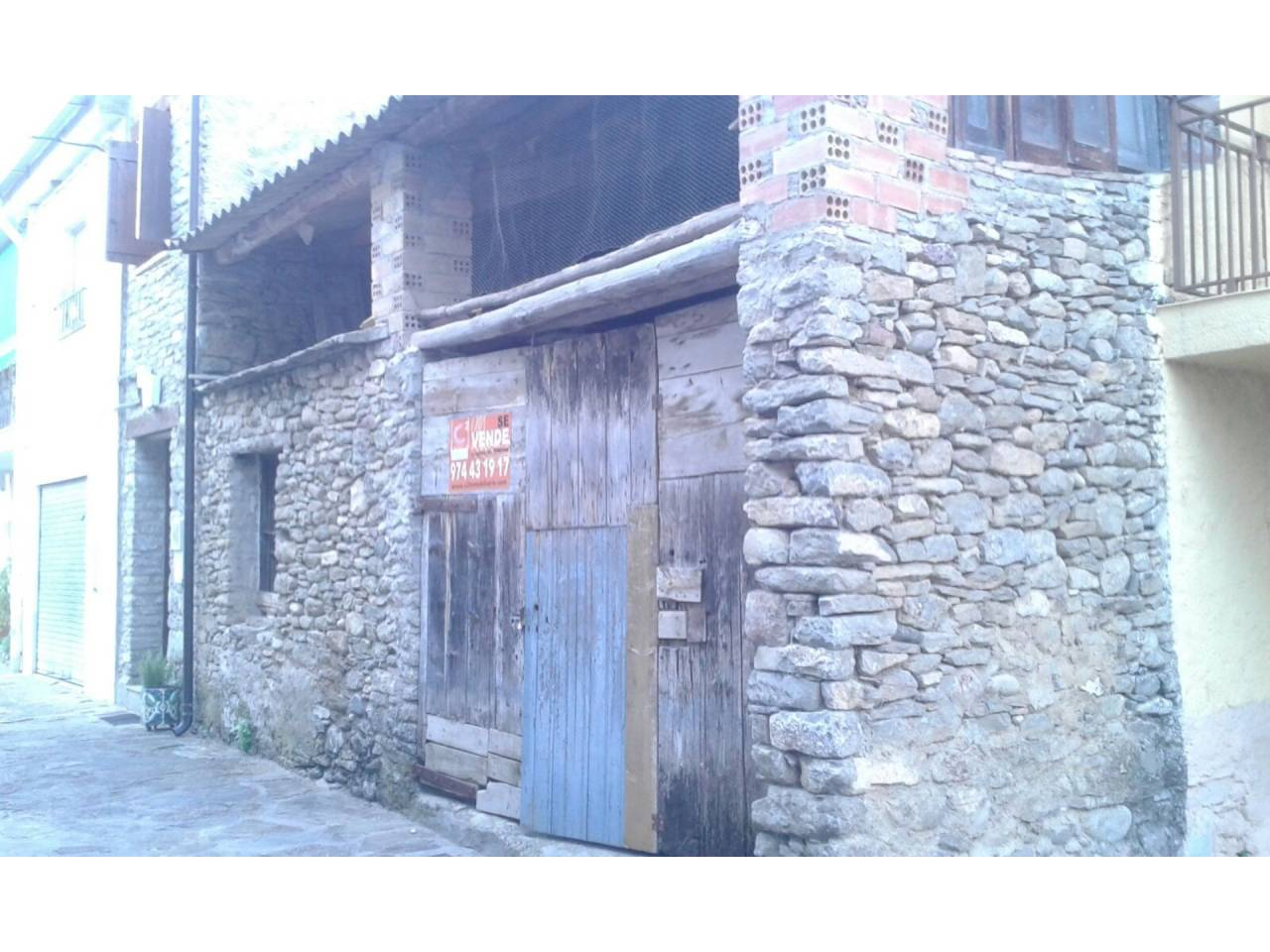 Business premise  Calle arrabal. Edificio principal con 10 m. de fachada y 16 de profundidad más
