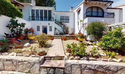 Chalets en venta con terraza en España