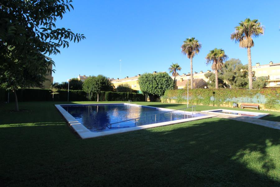 Flat  Bétera, zona de - bétera. Residencial san carlos. vivienda en urbanización privada con zon