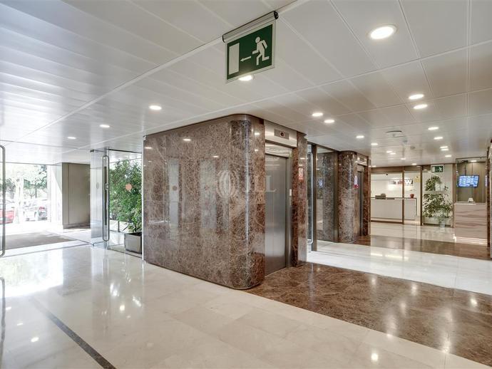 Foto 3 de Oficina en Frederic Mompou, 5 Centre