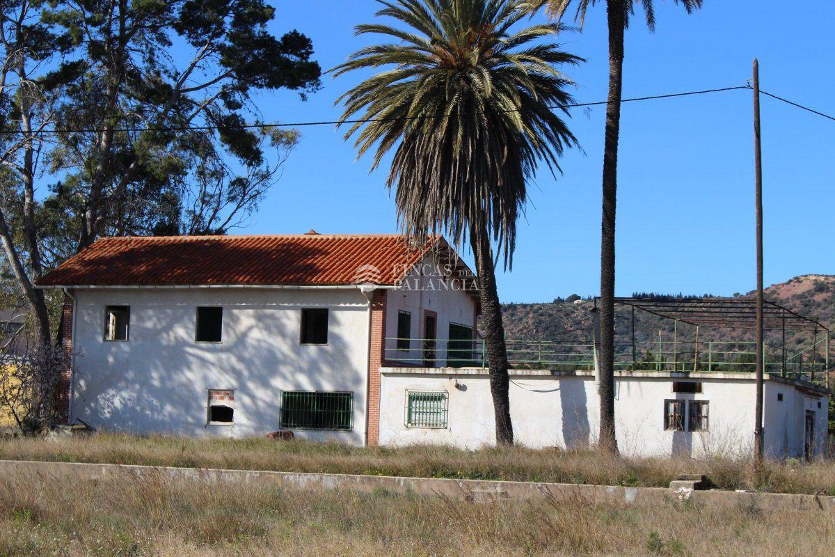 Casa  Algimia de alfara. Chalet en venta en algimia de alfara, 9 dormitorios.