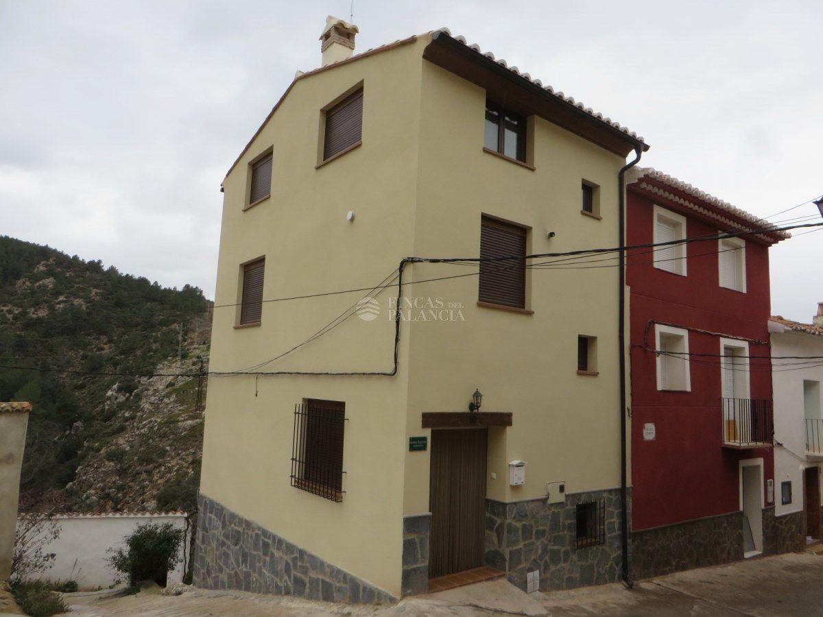 Casa  Calle cubos, 9. Casa en venta en fuente la reina, 3 dormitorios.