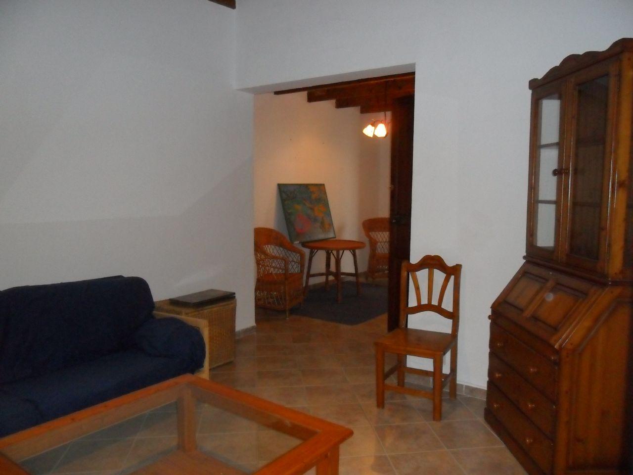 Alquiler Piso en Algaida. Primer piso en alquiler en centro de algaida