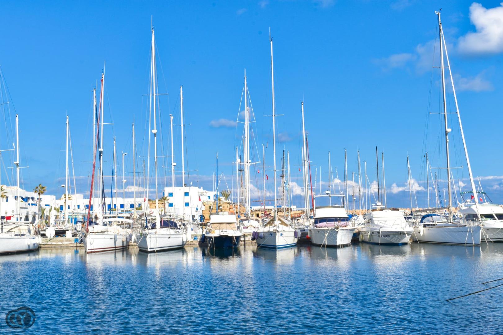 Business premise  Passeig port esportiu. Restaurante en venta