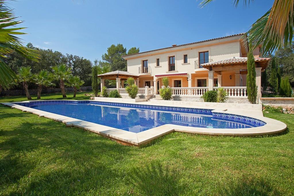 Casa a Costitx. Finca rústica de estilo mediterráneo con jardín en Costitx, mall
