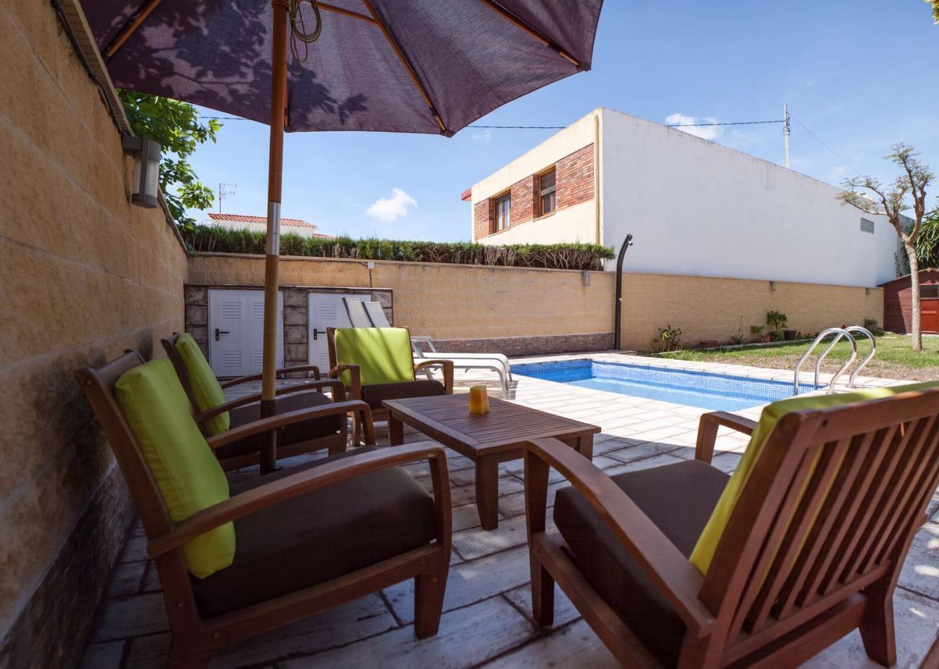 House  Vinaròs - cala del puntal. Chalet en venta de 500m , con terraza cubierta