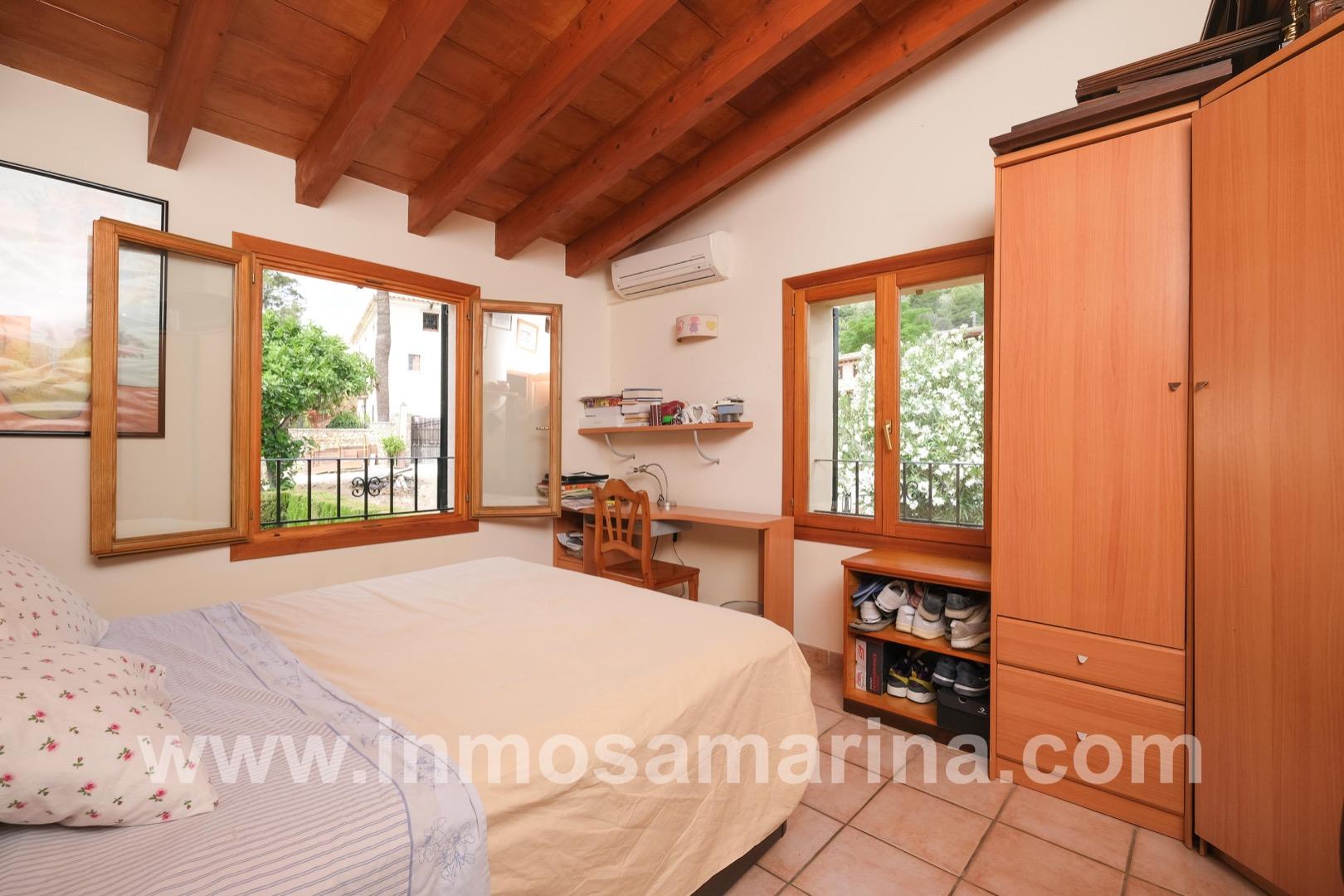 Location Maison  Carrer margalida sintes. Adosado en mancor con vistas a la sierra de tramuntana