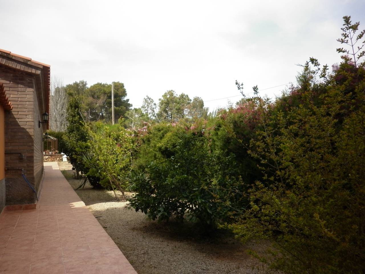 Haus  Calle acasias. Xalet de 400 m2 contruidos y con terreno de  2,500 m2² de solar,