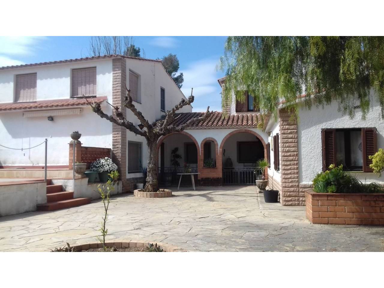 Casa  Carretera el mila a alcover km2. Finca con 2 casas independientes de 250 m² cada una, jardin de 3