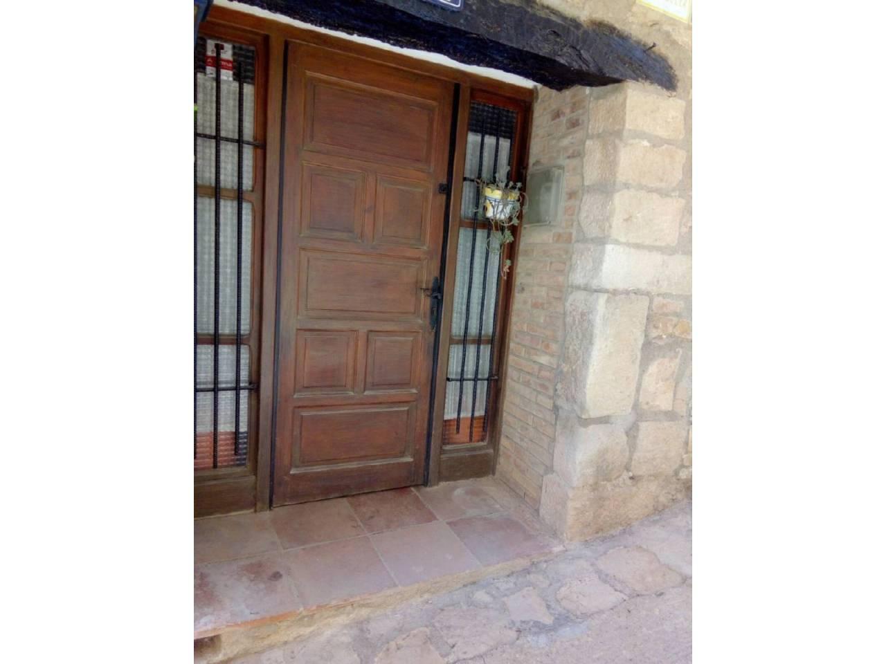 Haus  Calle hospital. Se vende casa  de  3 habitaciones 2 dobles,  1 individual,  1 ba