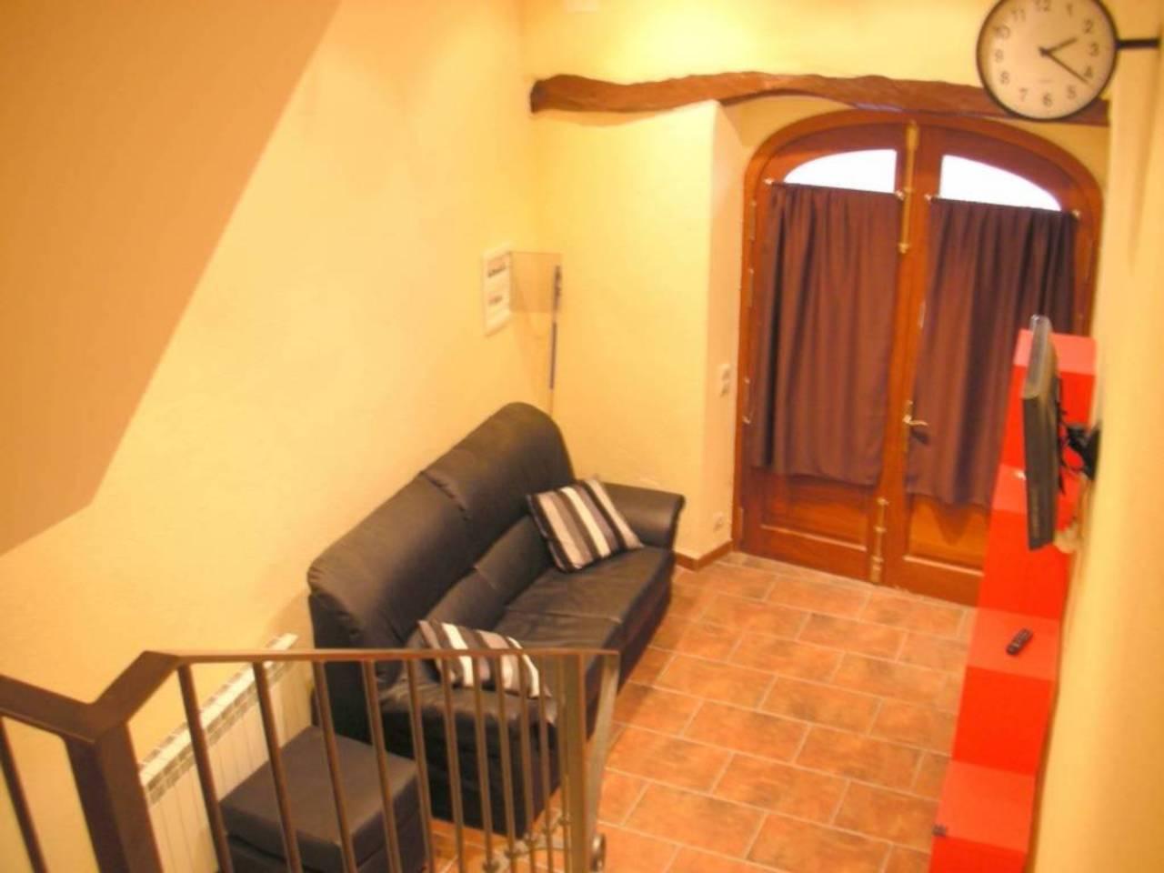 Casa  Calle sant roc. Superf. 166.12 m²,  3 habitaciones (1 doble,  2 individuales),