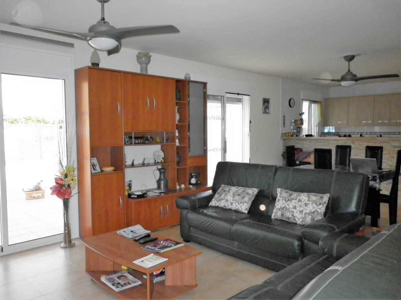 Haus  Avenida alt camp. Solar de 457 m²,  casa de 118m2 en una sola planta,  4 habitacio