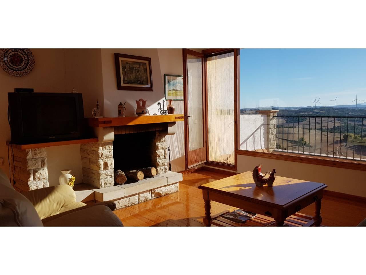 Casa  Forès. Superficie total 144 m², casa superficie solar 40 m², superficie