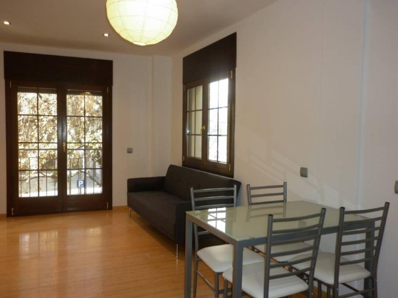 Alquiler Piso  Calle gassó, 4. Superf. 55 m², útil 55 m²,  1 habitación doble,  1 baño, cocina