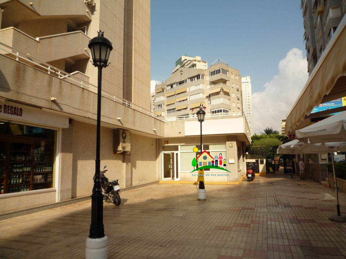 Local Comercial  Avenida marina baixa. Local com. en venta en cala - finestrat, 2 despachos.