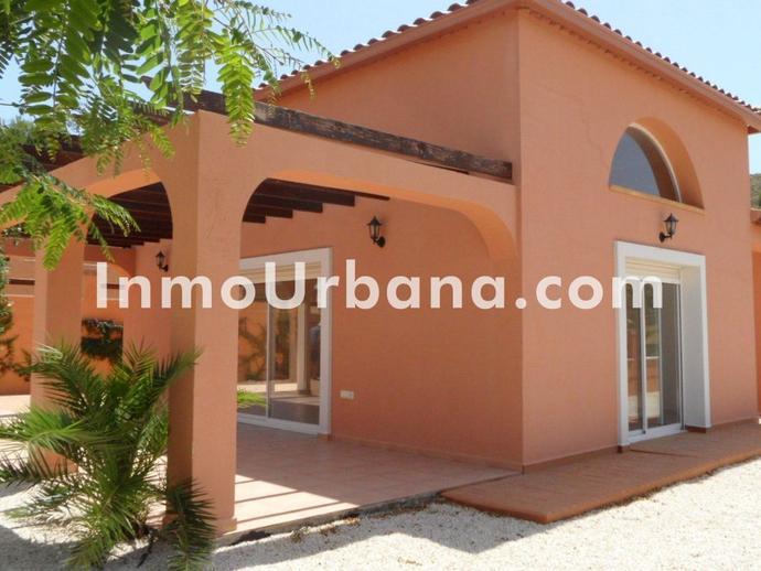 Foto 1 de Casa o chalet en venta en Busot, Alicante
