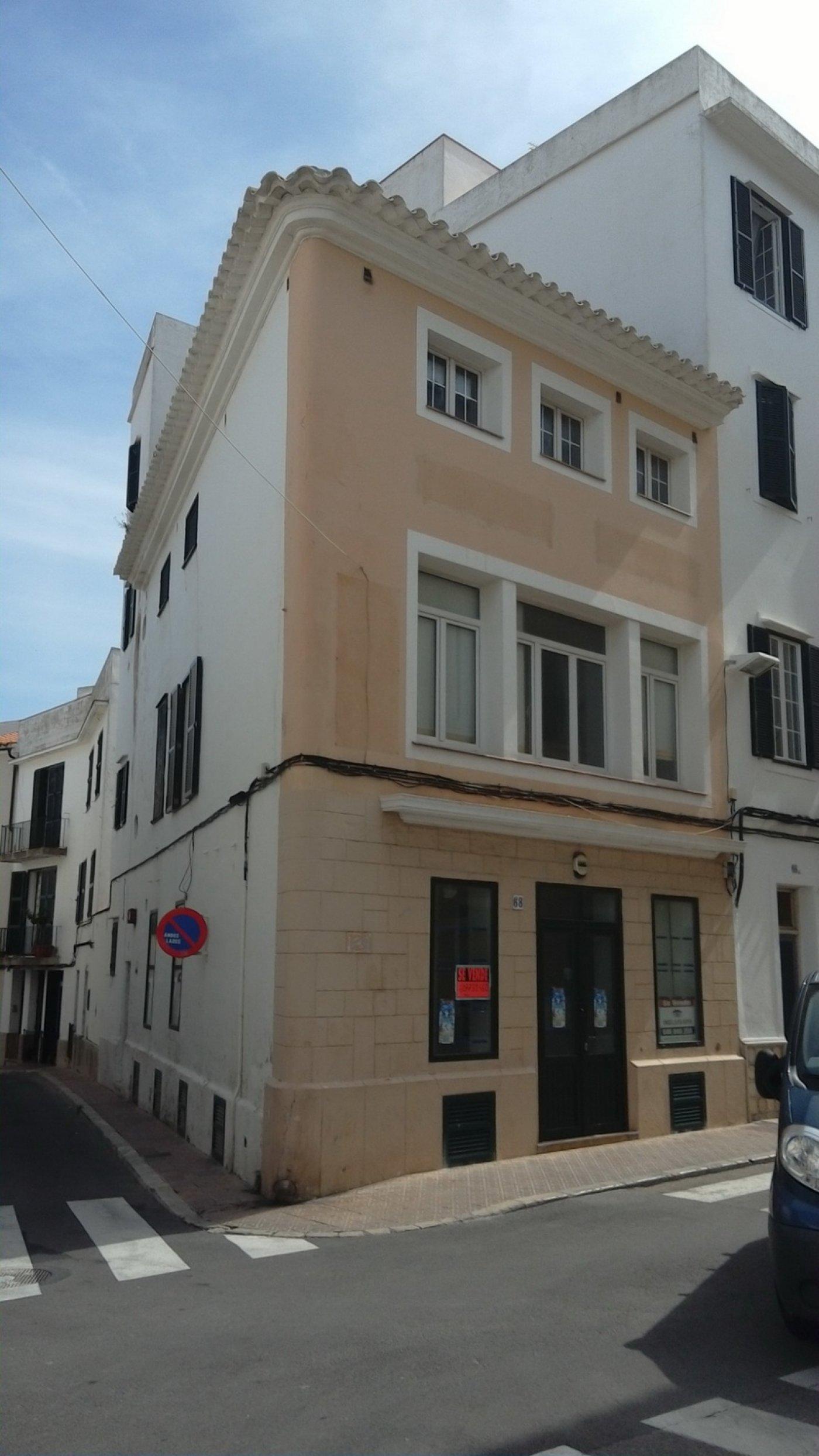 Rental House  Mahon ,esplanada. Casa esquinera 191 m2 casco antiguo plaza esplanada 207557 euros