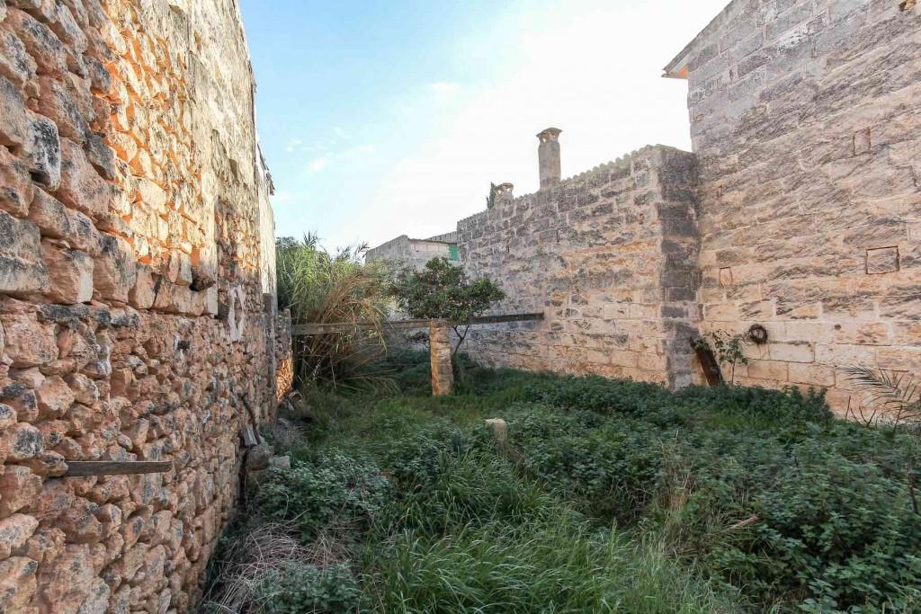 Stadtgrundstück in Muro. Solar en venta en muro con gran superficie edificable