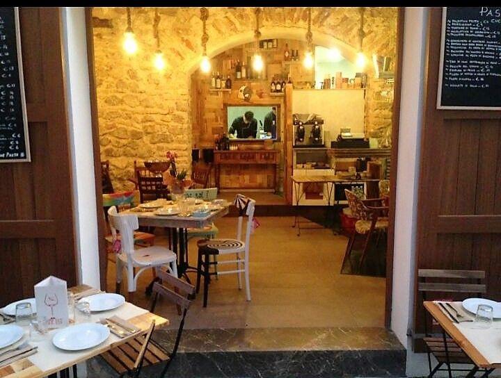 Rental Business premise  Ibiza. Restaurante con terraza en zona historica del puerto de Ibiza.