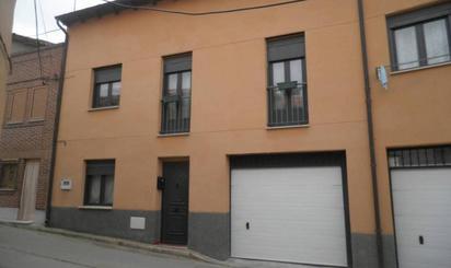 Casa adosada en venta en Corrillo, Mucientes