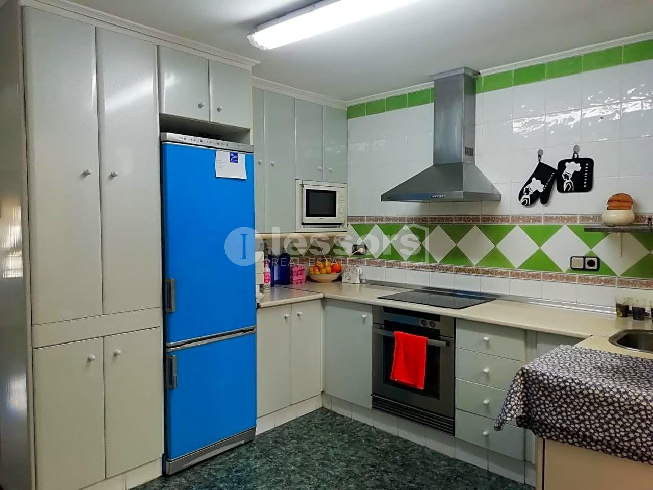 Casa a Benifairó de les Valls. Casa independiente de 152m² distribuidos en 3 habitaciones, 1 ba