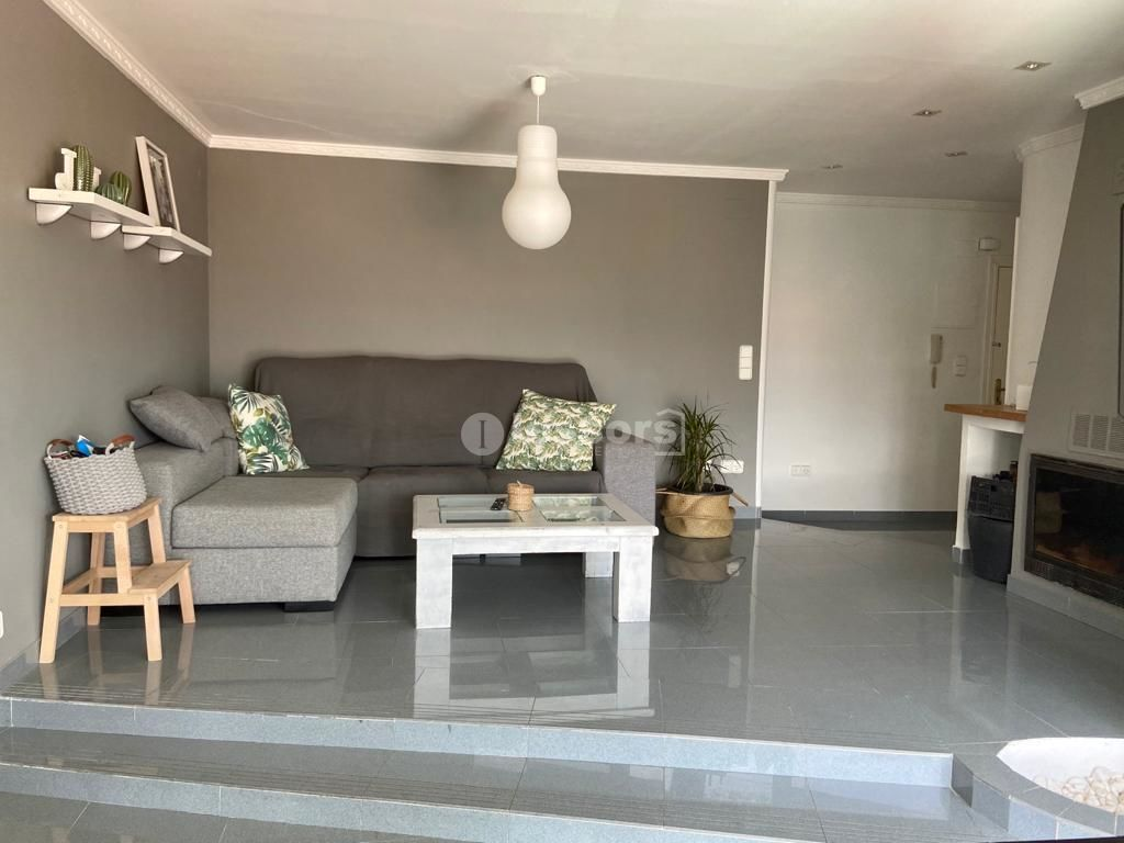 Rent Flat  Prado. Fantástico piso en pleno centro de gandia.  alquiler larga dura