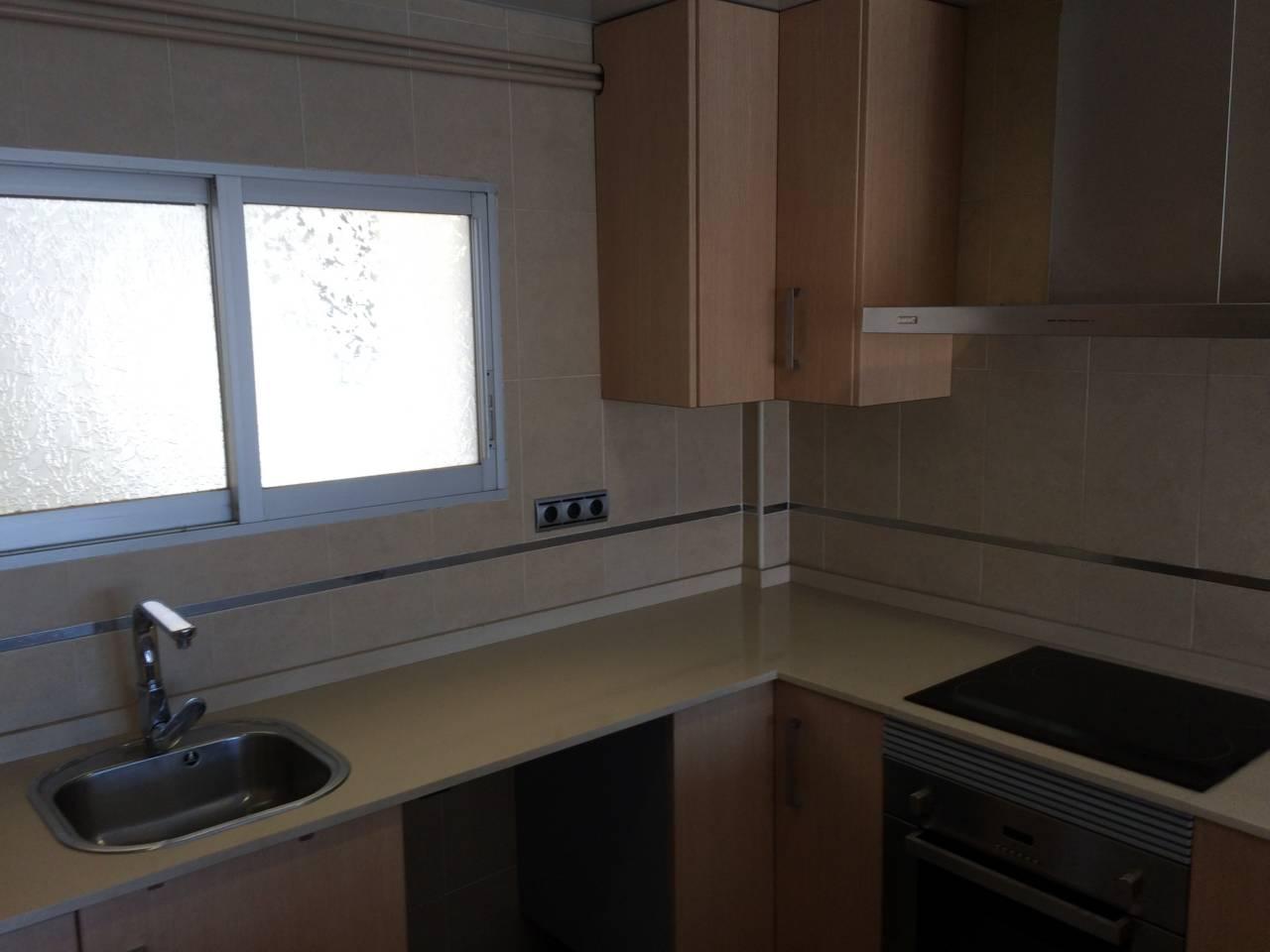 Piso  Josa. Sup. 60 m²,  3 habitaciones (2 dobles,  1 ind.),  1 baño, lavad.