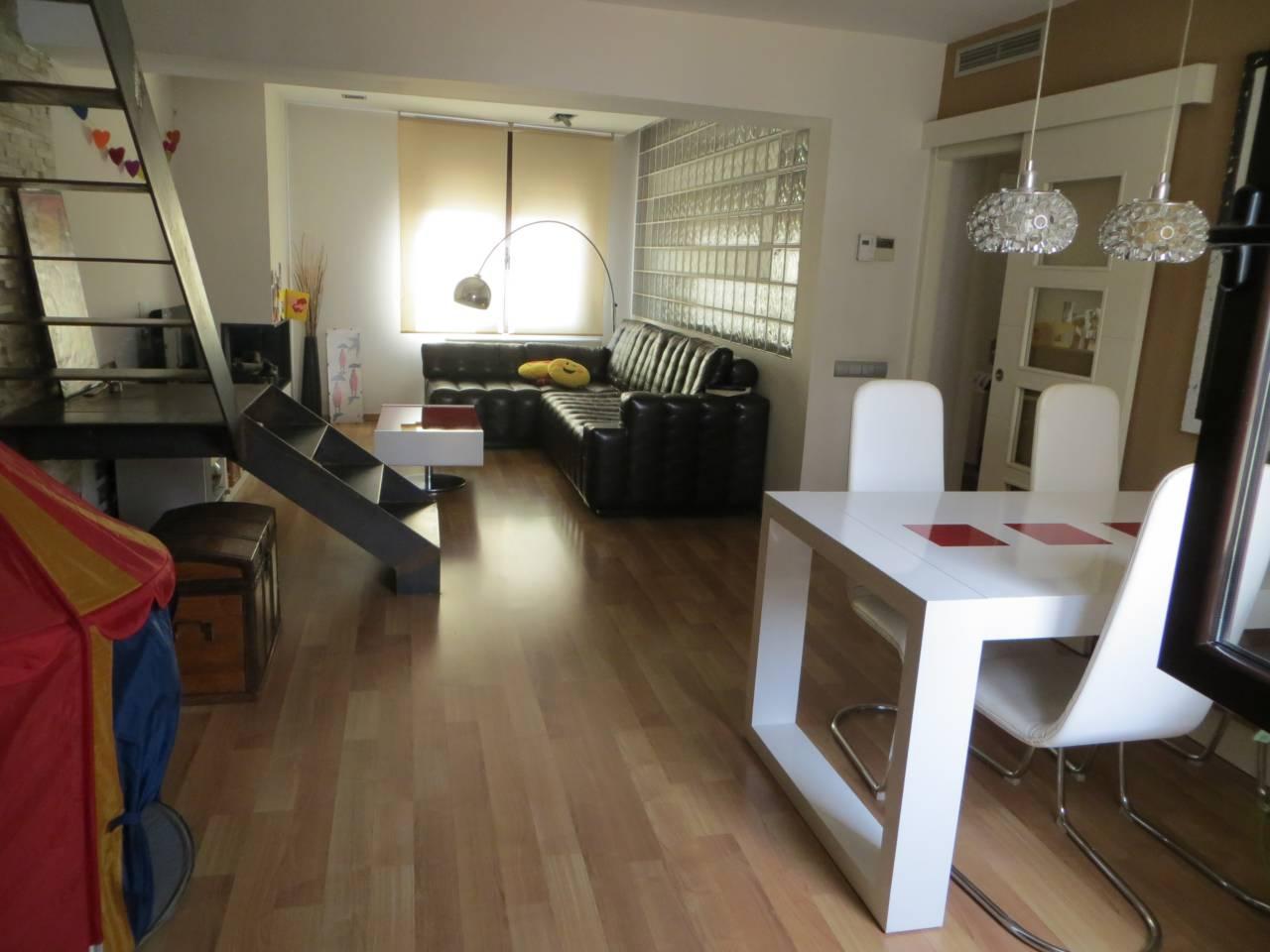 Piso  Can oriol. Reformado: 4 habitaciones ( 1 suite,  2 dobles,  1 ind.),  1 bañ