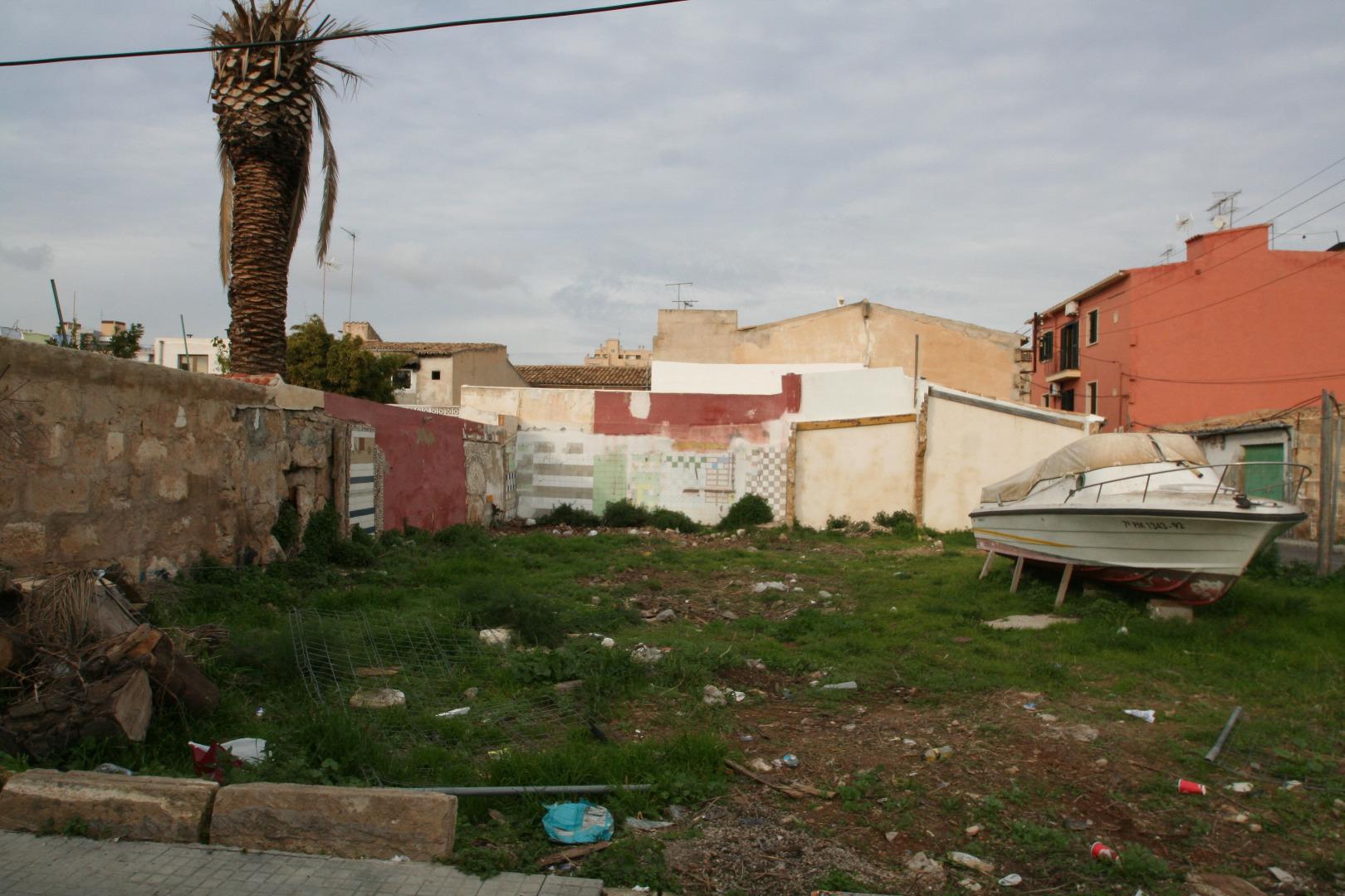 Area edificabile urbana  Calle cabrera, 40. Solar para 6 viviendas y 14 parkings en nou llevant - palacio de