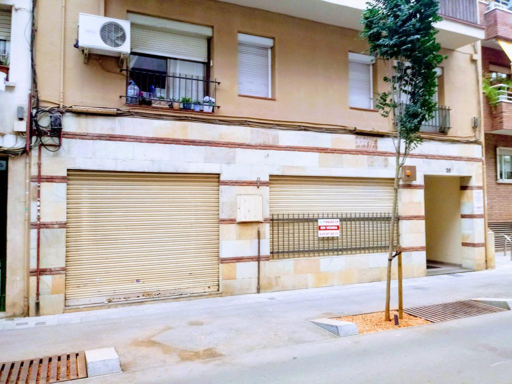 Local Comercial  Calle roquetes, 26. Oportunidad  !!!  amplio local comercial en venta en el centro d