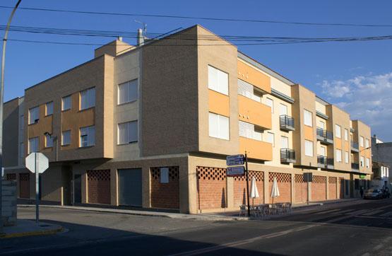 Local Comercial  Calle blasco ibáñez, 62. Local comercial a la entrada de montroy, en una zona que dispone