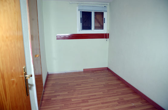 Casa  Calle. Chalet reformado ubicado en una zona tranquila y residencial. di