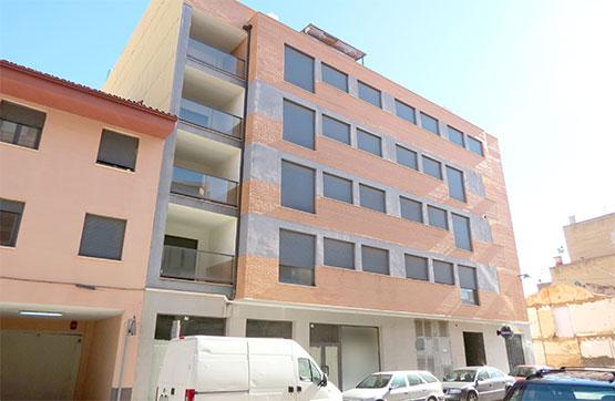 Parking coche  Calle pais valencia, 2. Plaza de garaje en venta en alcora, castellón. dispone de una su
