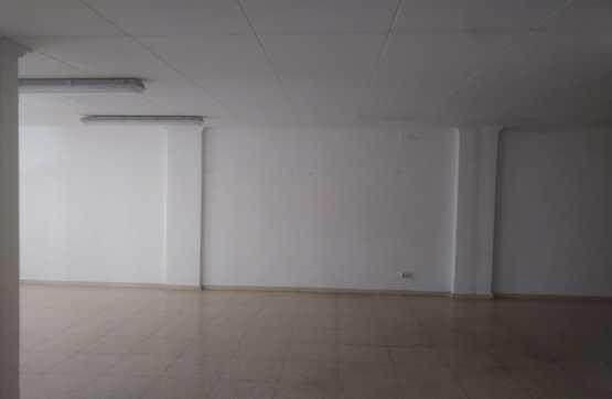 Oficina  Calle principe de asturias, 10. Local situado en la calle príncipe de asturias, en el municipio